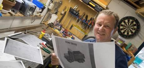 Creatieve Dik verzamelt bouwtekeningen om houten speelgoed te kunnen maken: 'Een echte hobby voor in de winter'