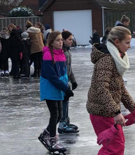 Schaatsen staat vandaag op het lesrooster in Krabbendijke