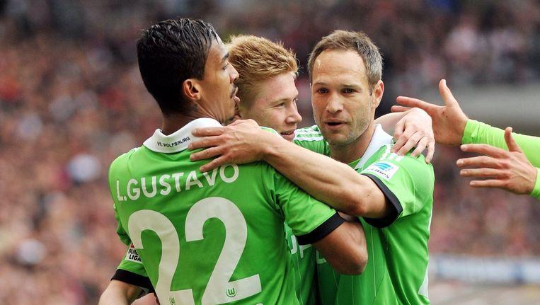Jan Polak (rechts) feliciteert De Bruyne met één van zijn goals.