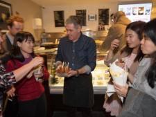 Singaporese pers op werkbezoek bij friture Martin Zwerts in Eindhoven