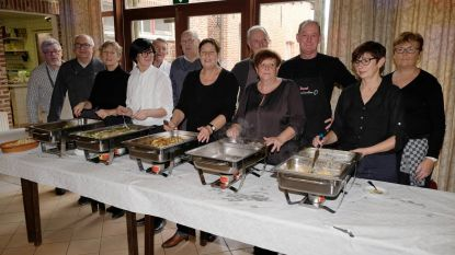 Kookclub trakteert kansarmen op kerstmenu