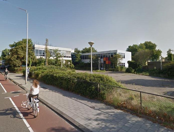 Het oude PNEM-kantoor aan de Kastanjeweg in Uden is de politieke en doorn in het oog.