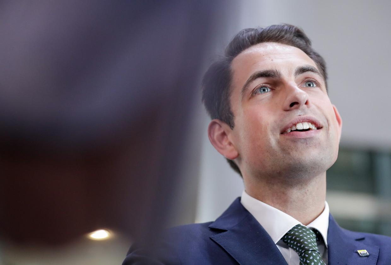 Vlaams Belang-voorzitter Tom Van Grieken heeft het over ongelukkige uitspraken van politieke neofieten.