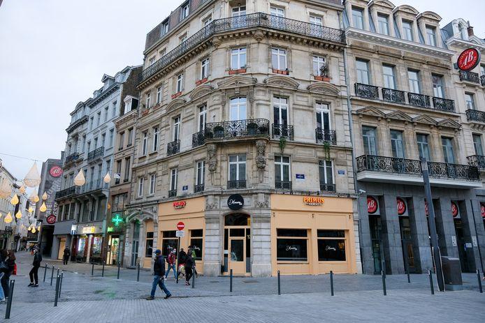 Des voisins ont prévenu la police en raison des nuisances sonores dans le flat du premier étage, situé près de l'AB à Bruxelles.