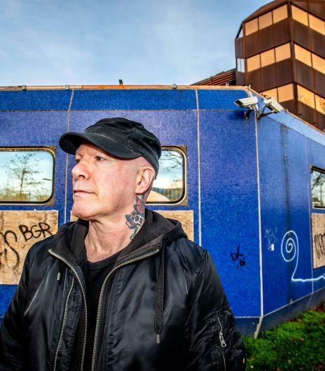 Tilburg grauw en rauw als decor voor roman: 'Ik probeer de ziel van de stad in 1980 te vangen'