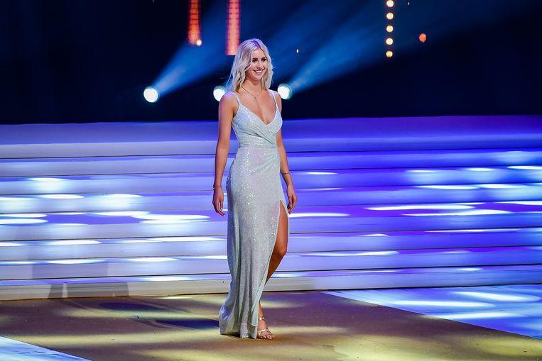 Elize Baron tijdens de finale van Miss België in het Proximus Theater in Plopsaland De Panne.