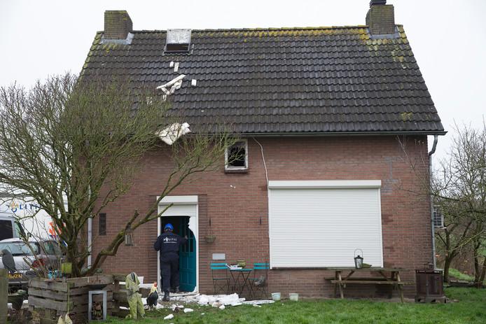 Een dag na de brand onderzoek na brand drie slachtoffers.