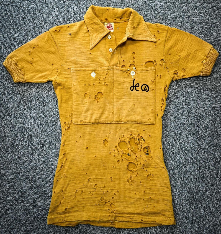 De gele trui van de oudste nog in leven zijnde geletruidrager Jacques Marinelli. De Fransman droeg het leiderstricot in 1949.