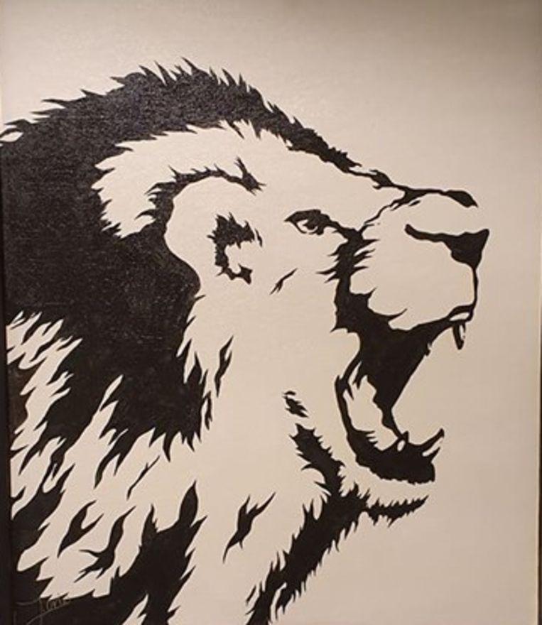 Ook zwart-wit schilderijen creëert de jonge kunstenaar.