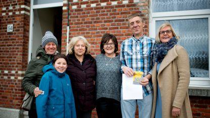 """Klusser Willy die materiaal verloor in zware brand krijgt 850 euro van buren: """"Er bestaan dus toch nog goeie mensen"""""""