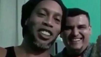 Intussen 1 maand in de cel: Ronaldinho maakt videoboodschap vanuit gevangenis