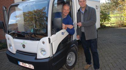 Twee elektrische wagens voor gemeentepersoneel