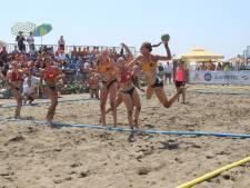 Handbalster uit Angeren wint met Oranje zilver op het strand