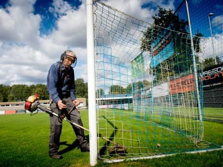 Voetbalclub uit Apeldoorn maakt zich tegen de eigen verwachtingen in op voor het eeuwfeest