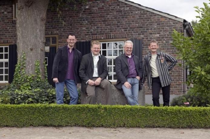 Ger Gedoan met van links naar rechts Michel Jacobs, Tonny Wijnands, Willy Reijnders en Frans van der Heijden. foto Fotostudio Ton Hartjens