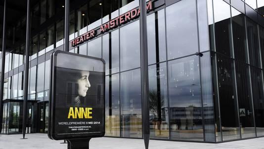 Theater Amsterdam is in gereedheid voor de première van Anne.