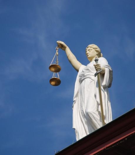 Verkrachter Nicole van den Hurk blijft in cel; niet terug naar tbs-kliniek