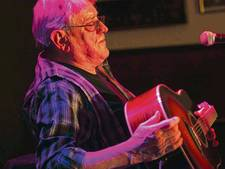 Slotakkoord bluesman Michael de Jong (72) klinkt in Wijk bij Duurstede