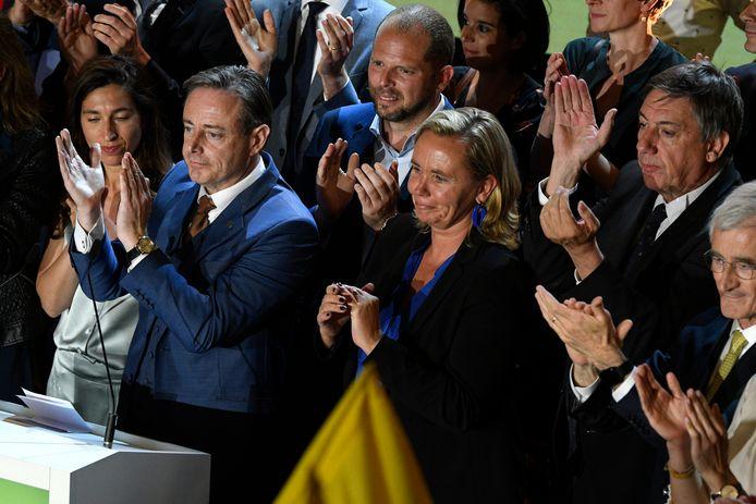 Het is in eerste instantie toch vooral groen lachen bij Zuhal Demir, Bart De Wever, Theo Francken, Liesbeth Homans, Jan Jambon en Geert Bourgeois.