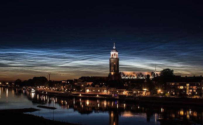 Nachtwolken boven Deventer
