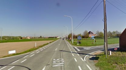 Chauffeur lichtgewond na kop-staartbotsing in Deinze