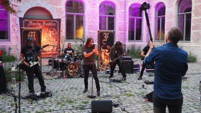 Festiviral laat artiesten optreden op exclusieve locaties, zoals het stadion van KV Mechelen of de Sint-Romboutstoren