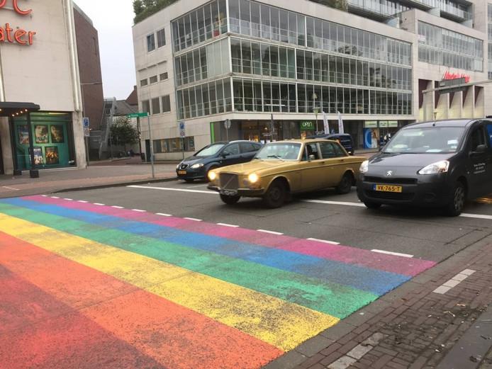 Autoverkeer trekt op bij het 'gaybrapad' van Arnhem.