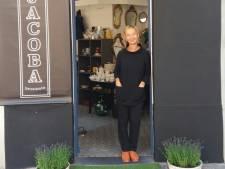 """Petra (55) opent brocantezaak Jacoba: """"Bij de heropstart was er geen plaats meer voor mij op de prondelmarkt van Sint-Jacobs"""""""