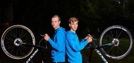 Ruurlose broertjes Reinderink spiegelen zich aan wielerfamilie Schleck