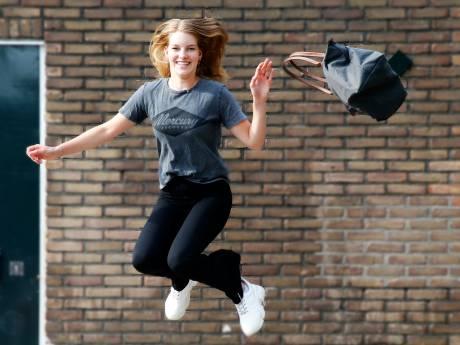 Geslaagd! Maar geen feest. Gelukkig heeft Utrechtse mavoscholiere Ella (16) daar al een list voor gevonden