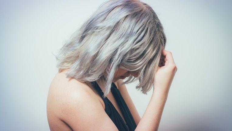 'Op het lijstje van aandoeningen met de zwaarste ziektelast staat migraine nummer twee. Dat komt vooral door deze groep.' Beeld Colourbox.