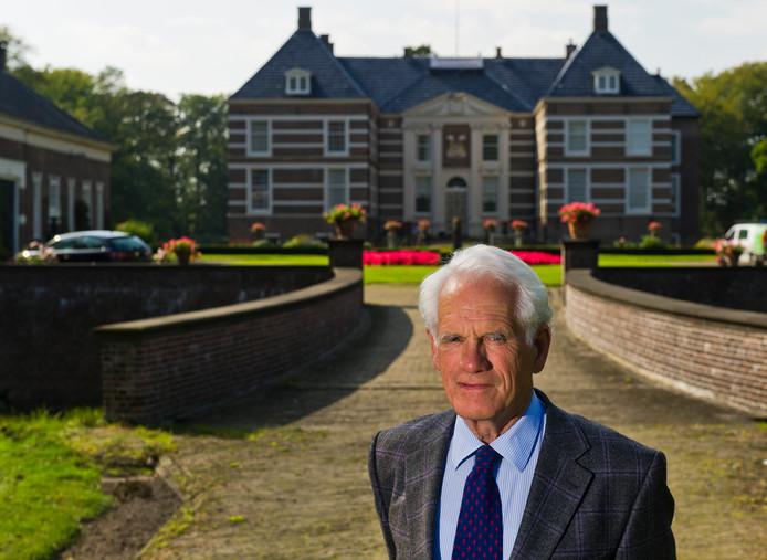 Graaf Adolph van Rechteren Limpurg overleed vorige week. De Heer van Almelo wordt zaterdag begraven. Tot en met vrijdag is er een condoleanceregister geopend.