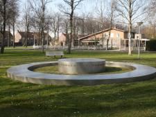 Oorlogsmonument in Emmeloord blijft toch op huidige plek staan
