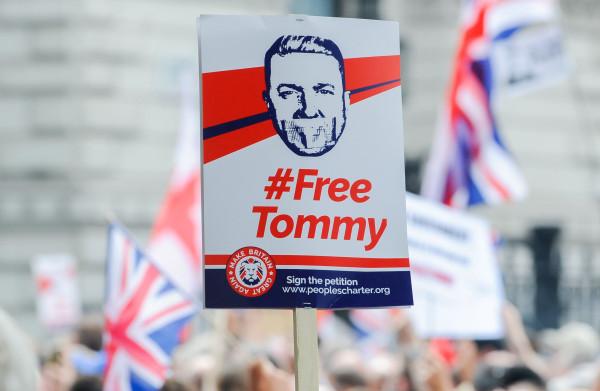 PVV-kamerleden delen foto's van een 'gigantische' opkomst bij #freetommy -  klopt dit wel?