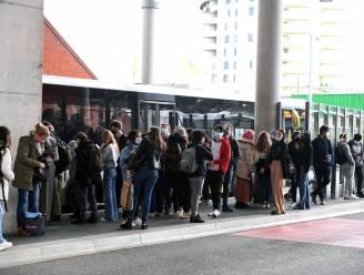 """Stad Leuven en De Lijn onderhandelen over meer bussen in strijd tegen coronavirus: """"Lijnen versterken die vaak worden gebruikt door scholieren"""""""
