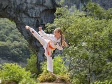 Reis naar Curaçao geboekt voor zieke karateka Nicole (9)