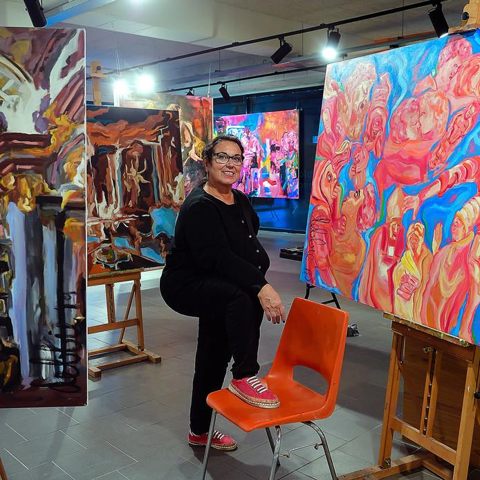 Midden in het winkelgebied van Etten-Leur opent kunstenares Debbie Nijland zaterdag een expositie- en atelierruimte.