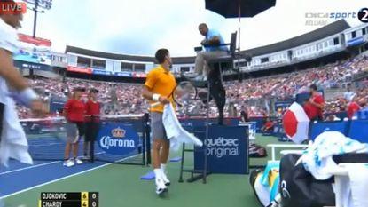 """Djokovic: """"Iemand rookt weed, ik ruik het"""""""