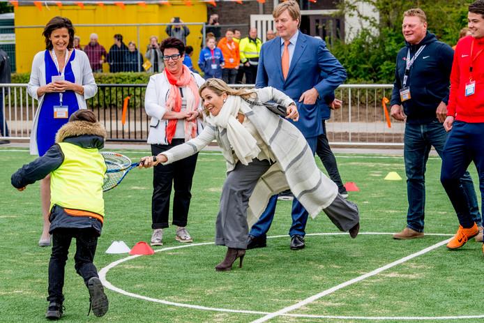 Koning Willem-Alexander en Hare Majesteit Koningin Maxima geven vrijdagochtend 21 april op basisschool De Vijfmaster in Veghel, gemeente Meierijstad, het startsein voor de landelijke opening van de Koningsspelen.