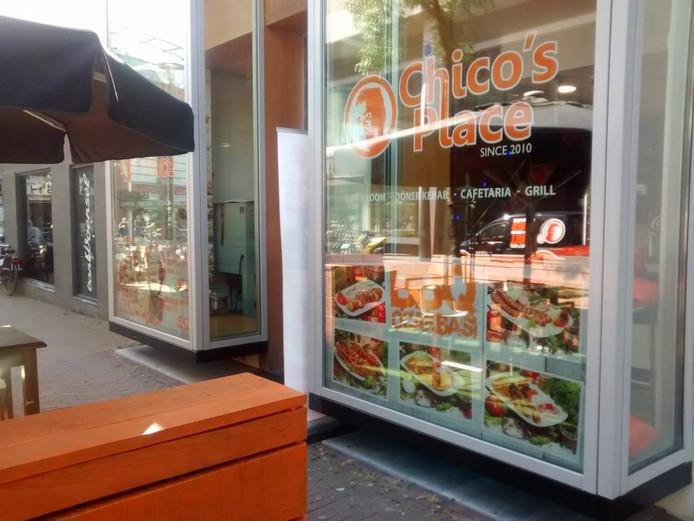 De voorgevel van Chico's Place aan de Looierstraat in Arnhem.