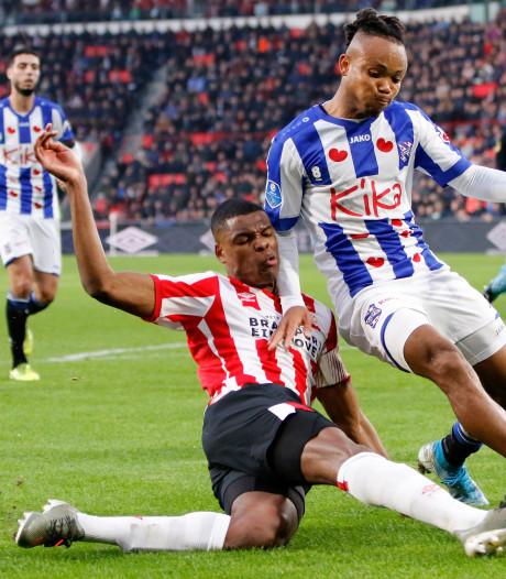 Kersverse captain Dumfries trots op PSV: 'Het is een eer om aanvoerder te mogen zijn'