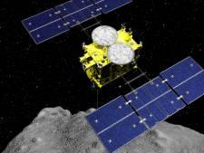 """Des scientifiques japonais """"sans voix"""" devant des échantillons d'astéroïde"""