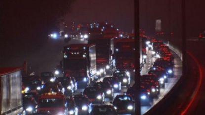 Bijna twee uur file op E40 na ongeval in Sterrebeek