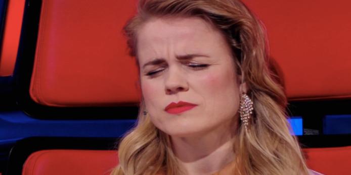Ilse DeLange tijdens het optreden van Frits Tilburg