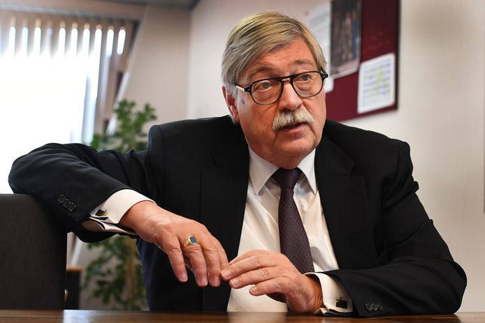 Willibrord van Beek, is waarnemend burgemeester in de gemeente Gennep.