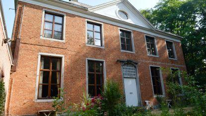 Toch geen verkoop voor pastorie: gemeente wil gebouw zelf restaureren