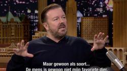 """Ricky Gervais vindt mensen irritant: """"Katten en honden zijn de enige levende wezens die me niet irriteren"""""""