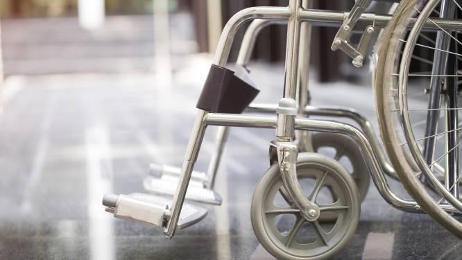 Invalide man in rolstoel voor 70.000 euro opgelicht door 'barmhartige' vrouw