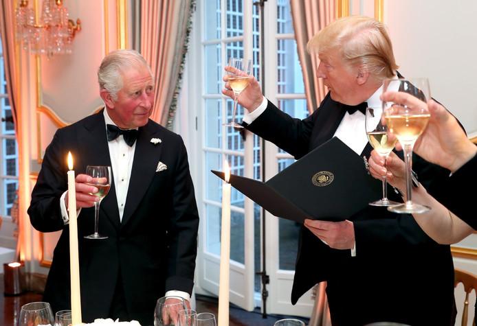 Donald Trump et le prince Charles au dîner à la Winfield House de Londres.