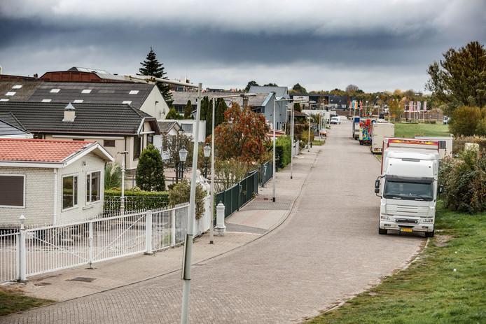 Sfeerfoto woonwagenkamp aan de Calandweg in Bergen op Zoom.